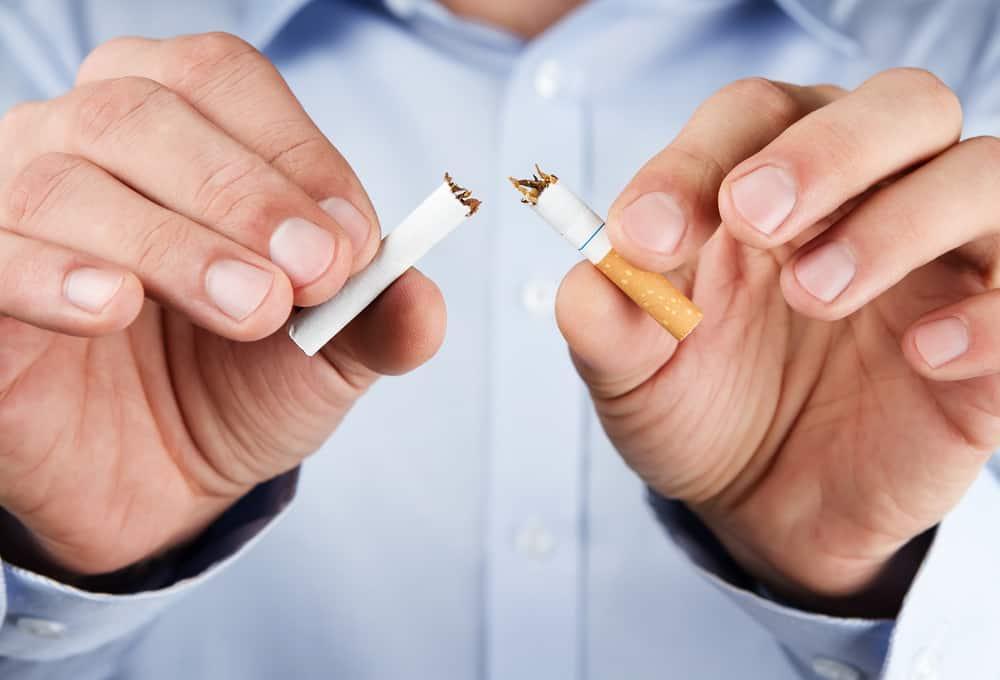 holde op med at ryge