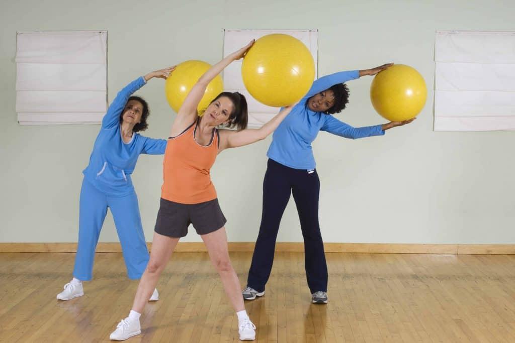 pilates exercices avec le ballon