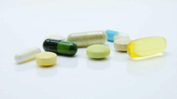 close up photography of pills 161688