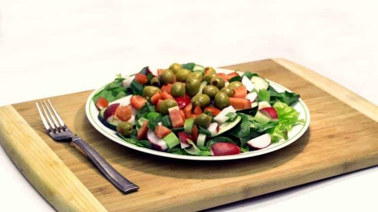 salad 1677044 1280