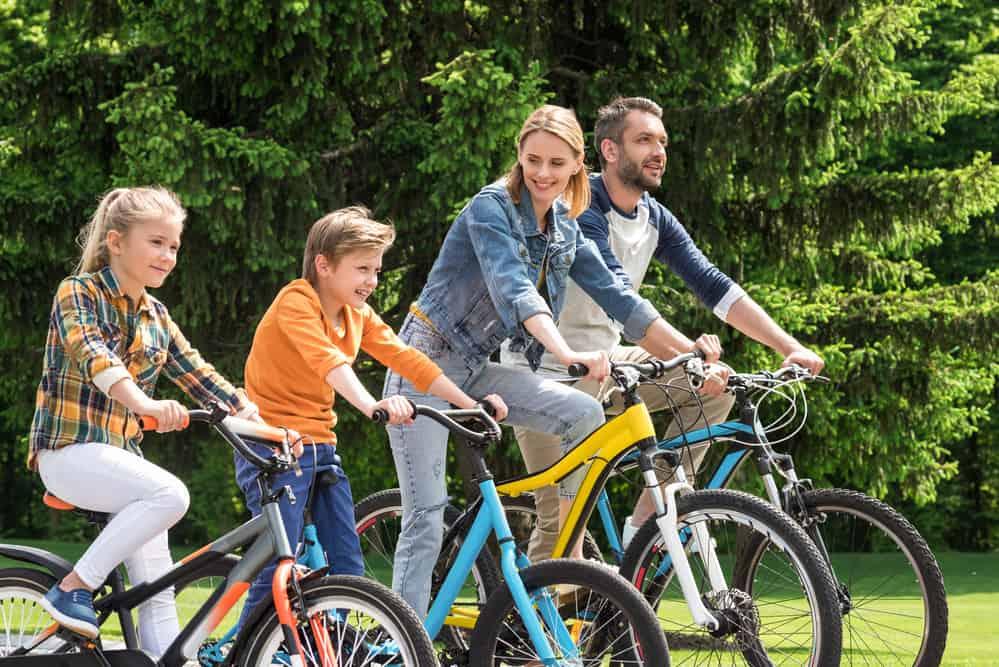 Familie op de fiets