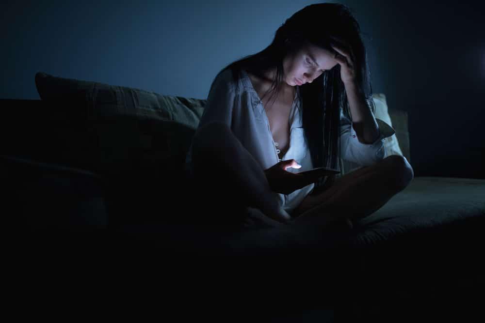 een vrouw kan niet in slaap vallen
