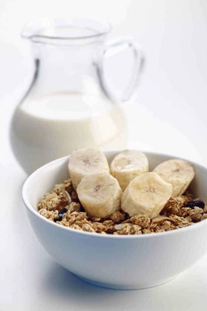 muesli with banana and milk